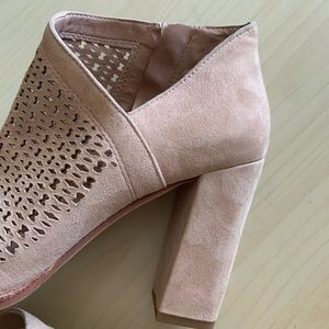 Vince Camuto Shoes - Vince Camuto | Lorva Booties